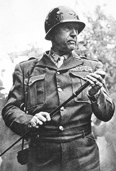 Generał George S. Patton, źródło: pensionplanpuppets.com